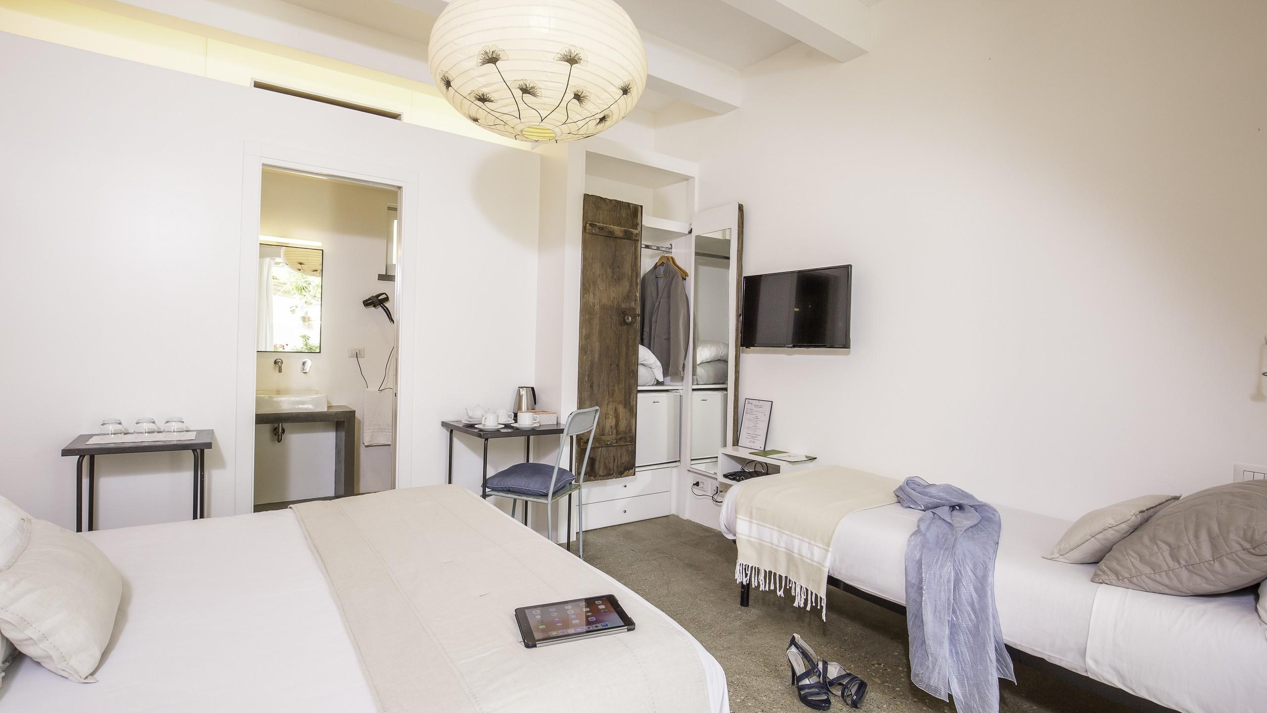 Intorno-al-Fico-Beach-hotel-fiumicino-rooms-040